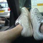 靴の臭いの原因、洗い方とは?おうちでできる脱臭法、予防法もご紹介